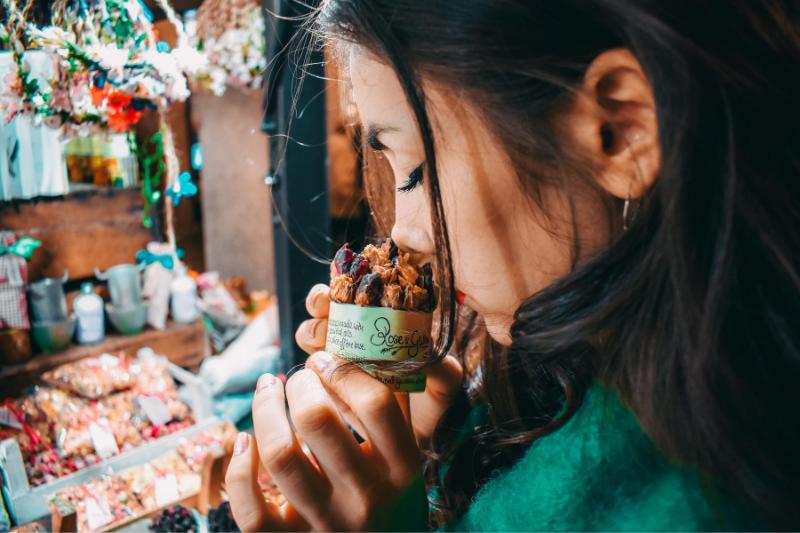 Beneficios del marketing olfativo en restaurantes y comercios